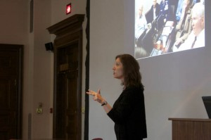 amy herman 39 88 discusses the art of perception at reunion college 2011. Black Bedroom Furniture Sets. Home Design Ideas