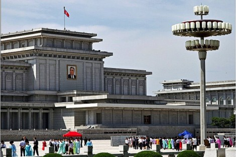 kim-il-sung-mausoleum