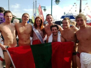 Phi Psi Swimmers Turn The Tide Against Cancer News Lafayette College