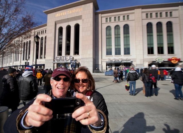 kline and amy ashton p 16 take a selfie in front of yankee stadium news lafayette college. Black Bedroom Furniture Sets. Home Design Ideas