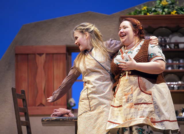 Meryl Hahne '18 and Nikelia Haines '15 perform in Dancing at Lughnasa
