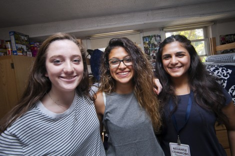 Roommates Marie O'Keefe '19, Emily Gonzalez '19, and Shreya Nebhwani '19 meet for the first time.
