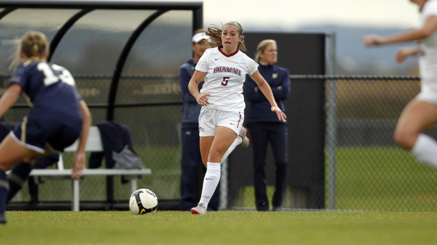 Anna Wissler '16 was one of three soccer players with a 4.0 GPA.