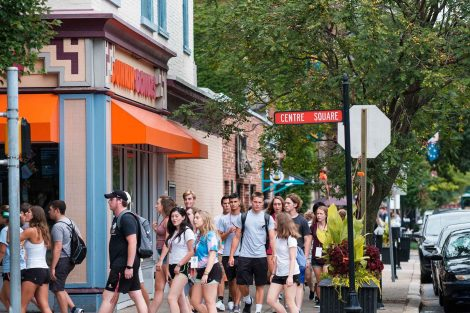 Students in the Class of 2022 take a tour of downtown Easton guided by their orientation leaders.