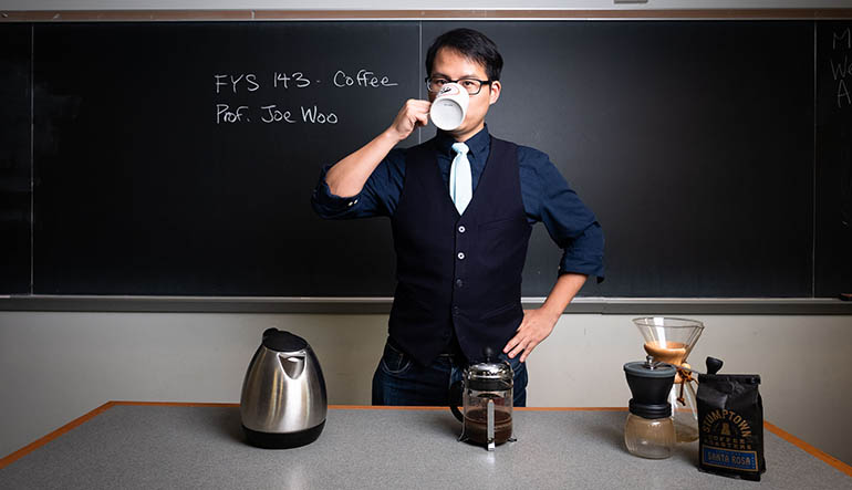 Joe Woo teaches a coffee FYS