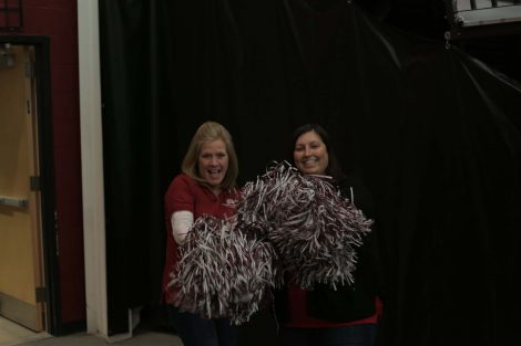 Wells Fargo employees shake their pom poms.