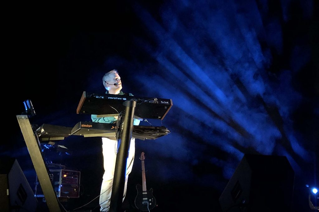 Kirk O'Riordan plays and sings.
