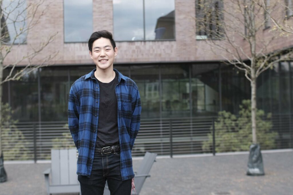 Sej Cho '23 outside of Rockwell Integrated Sciences Center