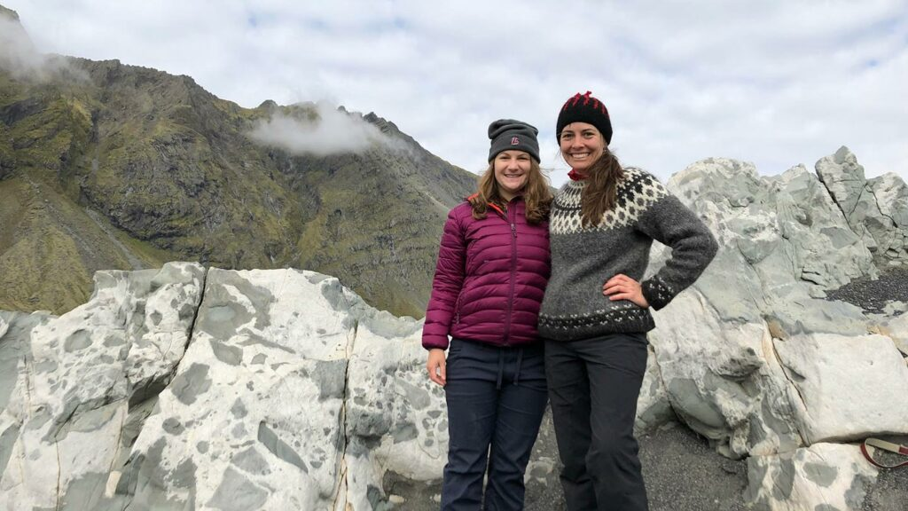 Tamara Carley and Amanda Leaman '15 in Iceland