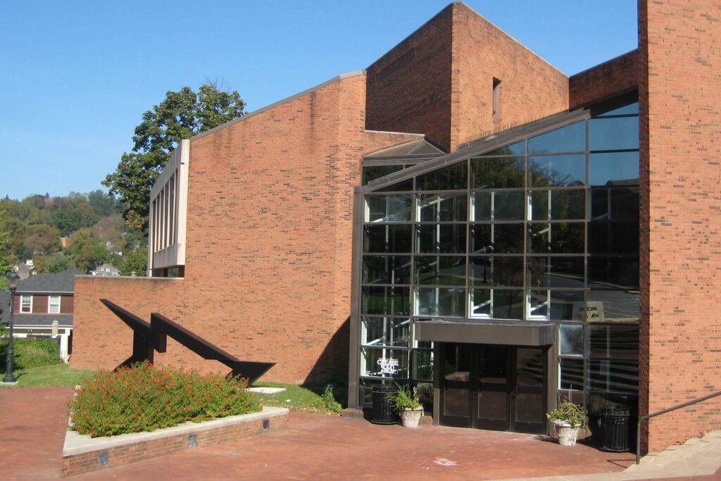 Bladen sculpture Black Lightning in front of Williams Center for the Arts