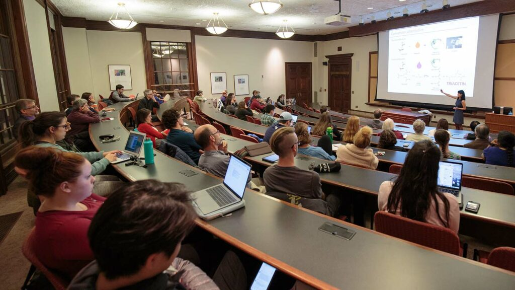 Lindsay Soh delivers Jones Faculty lecture