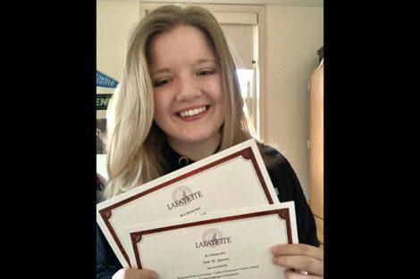 Nele Janssen holds certificates