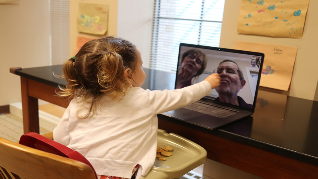 Lauren Myers' daughter points during video chat
