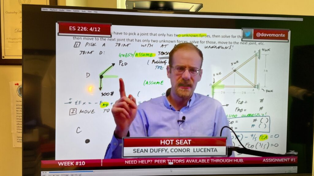 Prof. Dave Mante used a news anchor delivery method for his classes