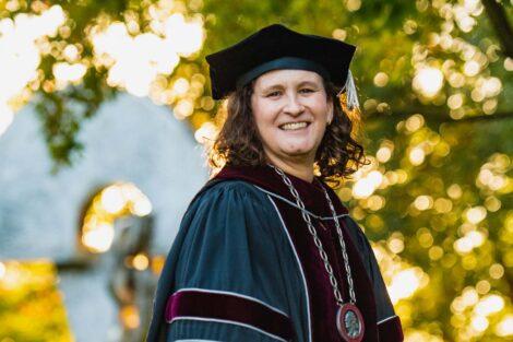 Nicole Farmer Hurd inauguration portrait